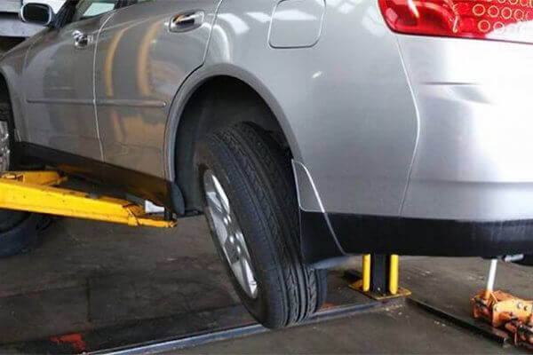 Why Does My Car Pull to the Right? How To Fix It